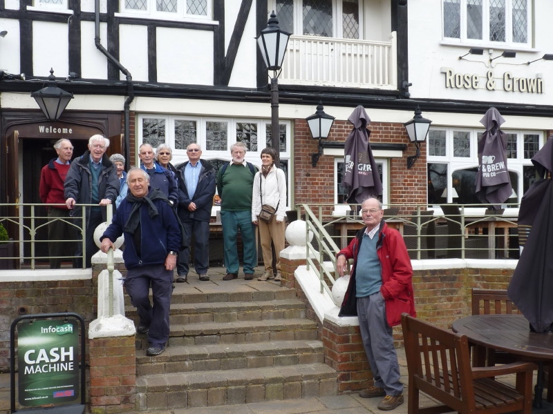 Riverside ramble ends at the 'Rose and Crown' Kew